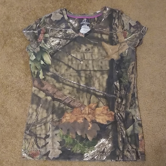 Mossy Oak Tops - Ladies Mossy Oak V-Neck Shirt